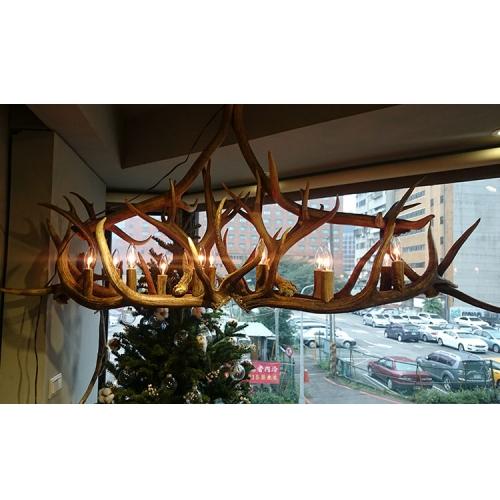 橢圓形餐桌鹿角燈1